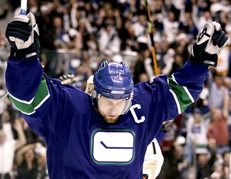 Vancouver_Canucks_Trevor_Linden_Kelowna_BC_Hockey